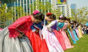 Văn háo chào hỏi của người Hàn Quốc như thế nào?